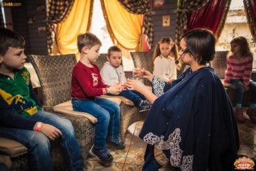 Аниматоры в детских игровых комнатах ресторана Цирк