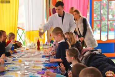 Развлечения для детей в игровых комнатах ресторана Цирк